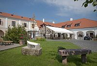 Hotel Historia Veszprem, discount hotel in the centre of Veszprem with wellness services